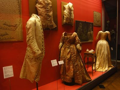 18th c. french costumes, mus?e des tissus