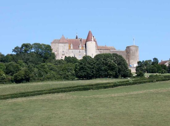 chateau medieval: chateauneuf
