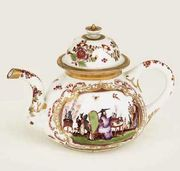 MEISSEN (KPM) CHINOISERIE SQUAT BALUSTER TEAPOT AND COVER