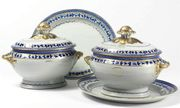 A PAIR OF CHINESE EXPORT OVAL SOUP TUREENS, C