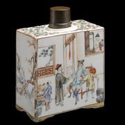 A CHINESE EXPORT TEA CANISTER
